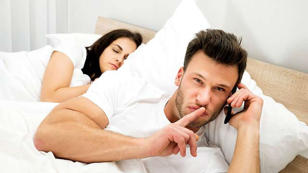 7 Signs of Cheating